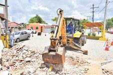 Obras do sistema de drenagem da Barra de Caravelas (1)