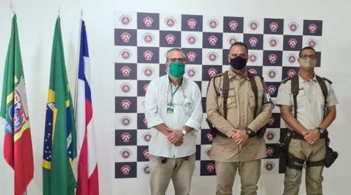 Comandante do 8º BPM recebe visita de representante da Usina Santa Cruz
