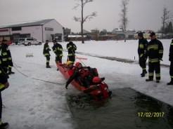 Ćwiczenia na lodzie (16)
