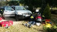 Młodzieżowa drużyna pożarnicza przy pozorowanym wypadku