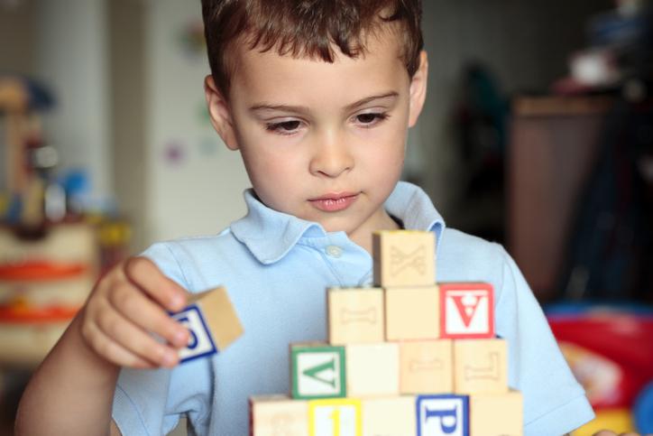 Autyzm i zespół Aspergera – podobieństwa i różnice