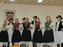 6-vecer-folklora-pokuplje-u-srcu-lasinje-93