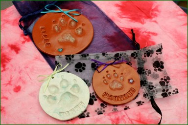 image of pawprints for osseo veterinary clinic