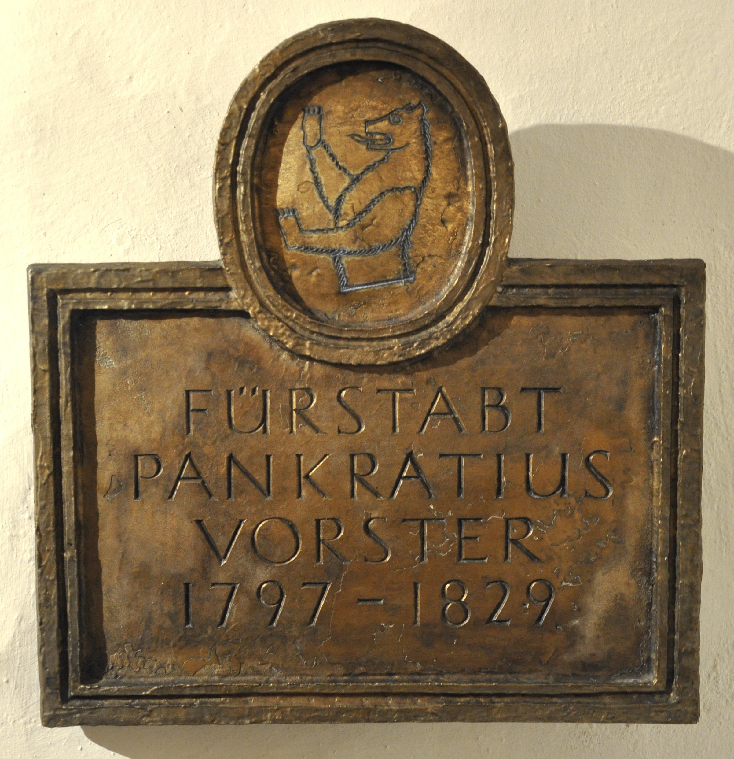 St_Gallen_Stiftskirche_Ostkrypta_Grab_3_Pankraz_img02.jpg Vorster