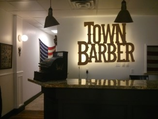 Town Barber Dundas West