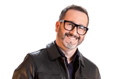 Eduardo Fuentes sigue en La Red