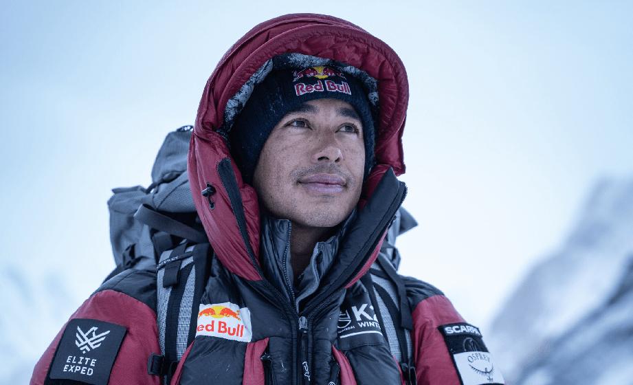 Nuevo récord mundial: alpinista nepalí llegó a la cima del K2 en pleno invierno y sin oxígeno artificial