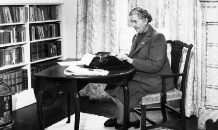 «Agatha Christie: 100 Years of Poirot and Miss Marple» se llama el documental que este jueves llega a la pantalla de Acorn TV.