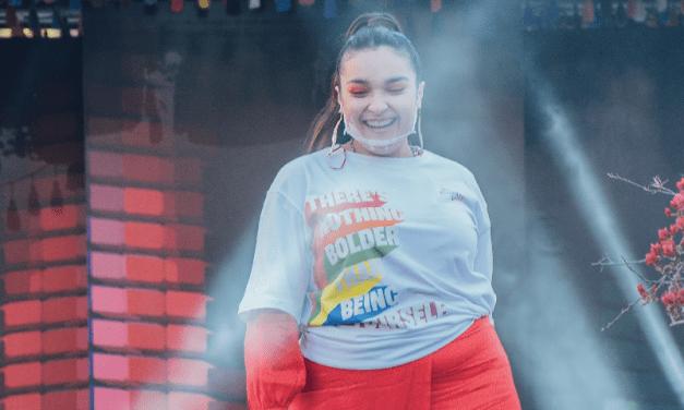 Omnia será la encargada:  Evercrisp celebra 40 años con colección retro de ropa hecha en Chile