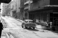 Morning light and morning life in the streets of La Habana