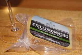 Fjelldronning - my Norwegian Christmas Cheese this year.