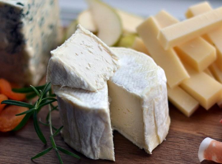 Delice de Bourgogne på ostebordet