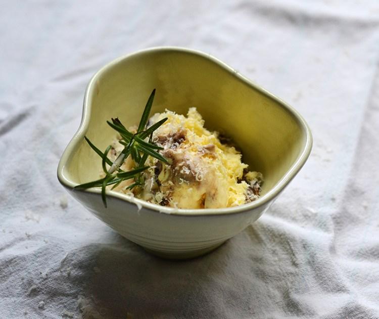 Is med ost og rosmarin
