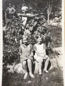 """Katarina med sina döttrar Ulrika """"Ulla"""" och Aina"""