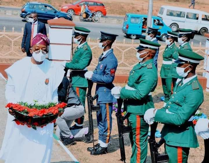 Oyetola honour fallen heroes, pledge support for the armed forces