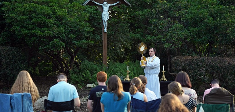 NEW YORK EUCHARISTIC ADORATION