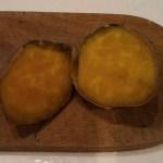 スモーキージョーで作る焼き芋、遠赤外線の効果でバツグンの旨さ!