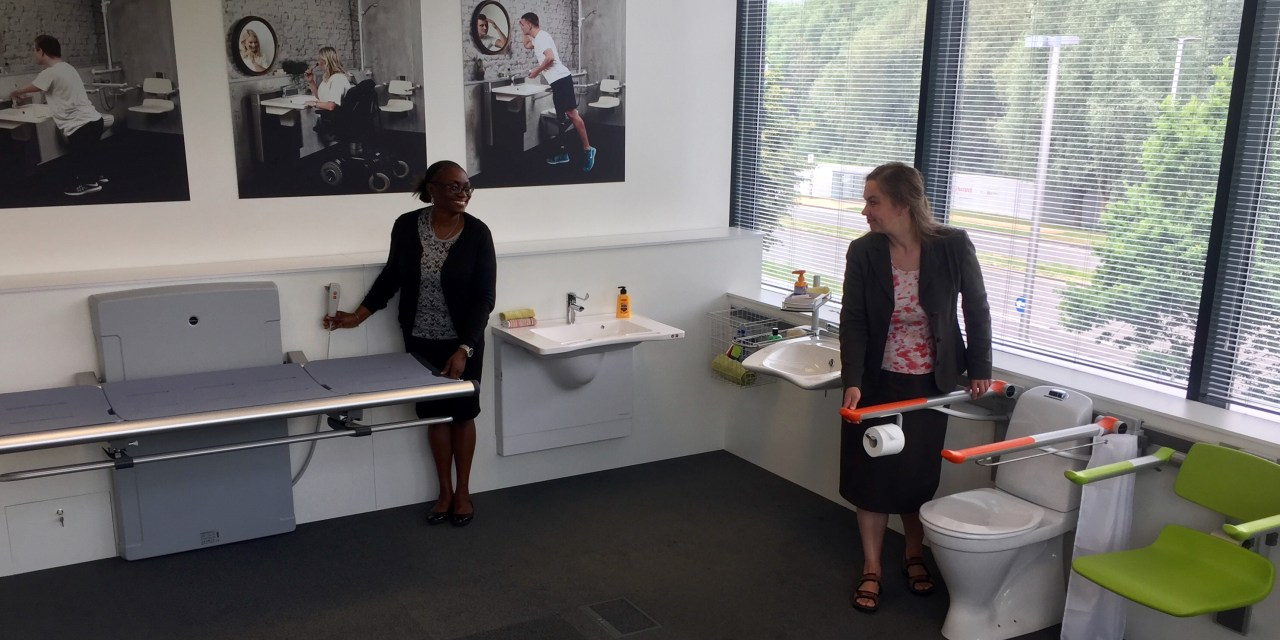 New showroom for accessible bathrooms