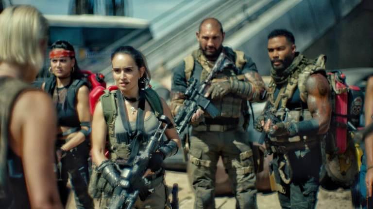 Grupos de combatentes armados contra zumbis