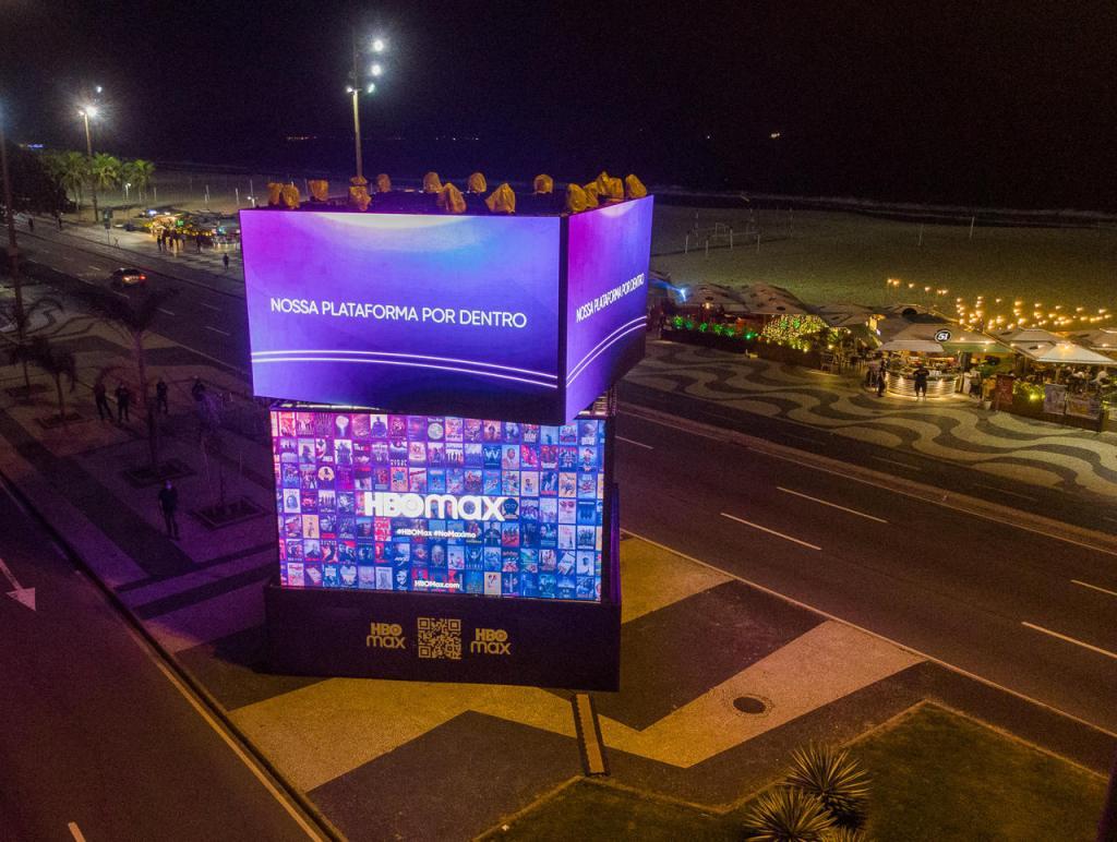 Intervenção da HBO Max na Praia de Copacabana, no Rio de Janeiro, uma das ativações que o canal vai fazer em diversas cidades da América Latina. - Otageek