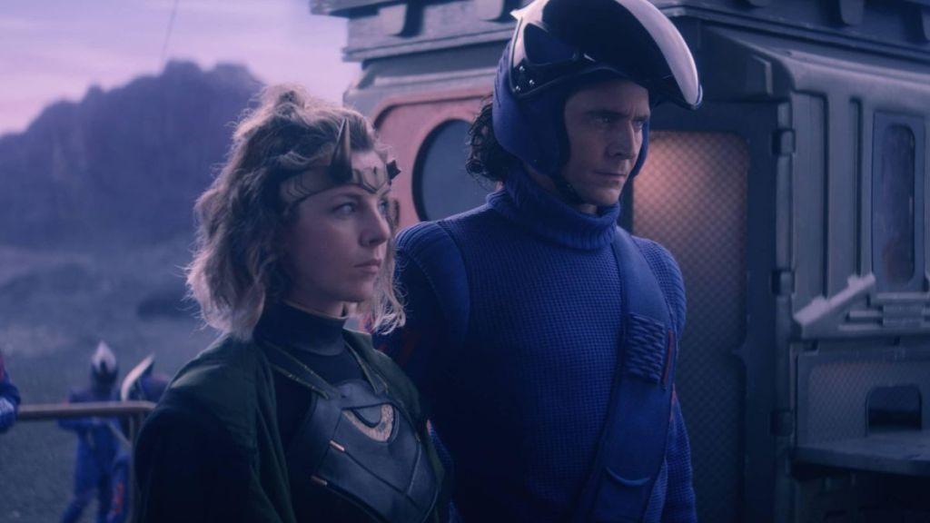 Loki e Sylvie trabalhando em conjunto para escaparem do planeta Lamentis - Otageek