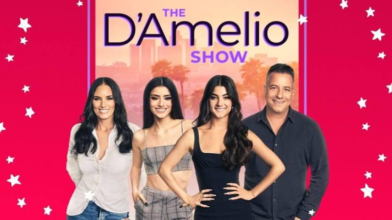 Banner oficial de The D'Amelio Show com os quatro membros da família