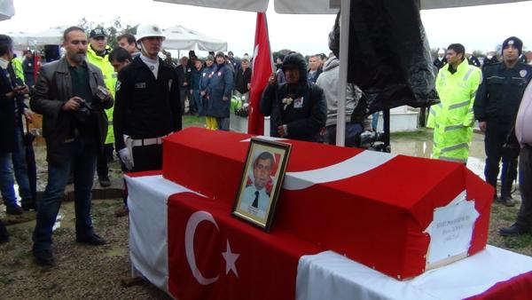 ŞEHİT POLİSİMİZİ, SAĞANAK YAĞMURLA UĞURLADIK