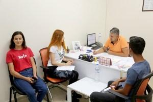 Büyükşehir Belediyesi YKS'de başarılı olan öğrencilere doğru tercih yapmaları için ücretsiz rehberlik hizmeti vermeye başladı