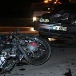 MOTORSİKLET İLE OTOMOBİL KAFA KAFAYA ÇARPIŞTI