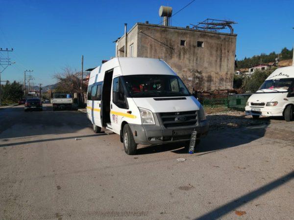 KOZAN'DA OKUL SERVİSİNİN ÇARPTIĞI 10 YAŞINDAKİ ÇOCUK HAYATINI KAYBETTİ