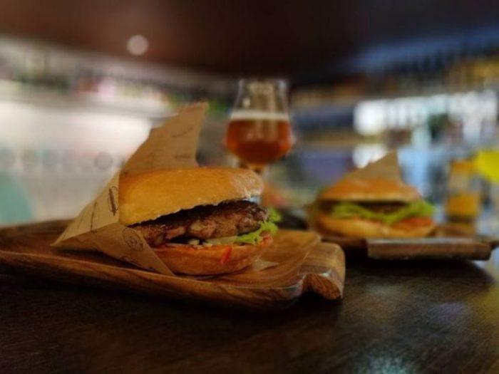 Уличная еда: как туристу перекусить дешево и не отравиться