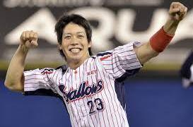 山田哲人選手のホームランがツーベースになった件(動画参照)皆の感想に責めないでと言う山田選手がカッコいい!