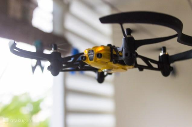 Présentation du Drone Parrot Minidrone Airbone Cargo Drone (Travis)