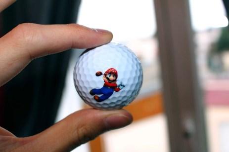 Des balles de golf... Signées Mario Golf !