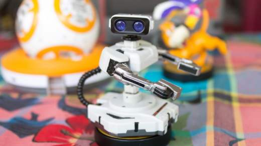 L'Amiibo R.O.B. fait sa star devant BB-8 et Duck Hunt...