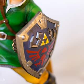 Le bouclier est peut-être l'élément le plus réussi de cette figurine !