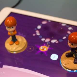 Graphiquement, le jeu se rapproche des contes pour enfants.