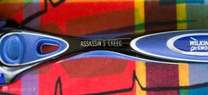 Et il comporte une inscription Assassin's Creed !