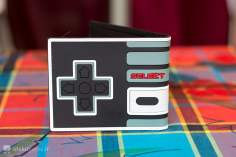 Portefeuille Manette Nintendo NES Bioworld