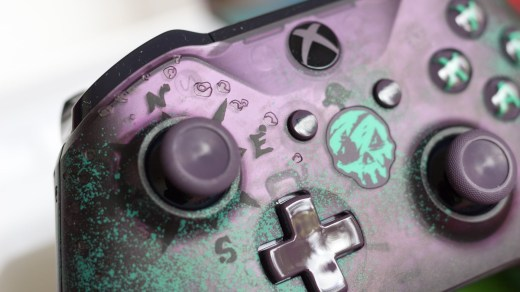 L'unboxing de la manette Collector Sea of Thieves pour Xbox One !