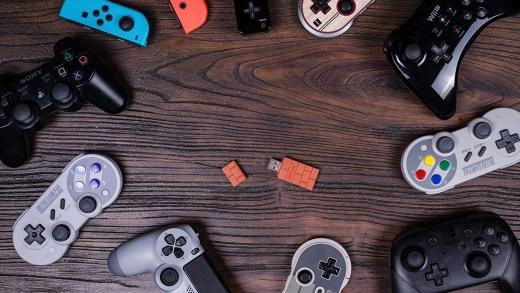 L'adaptateur USB 8bitdo vous permettra de connecter presque n'importe quelle manette sur Switch !