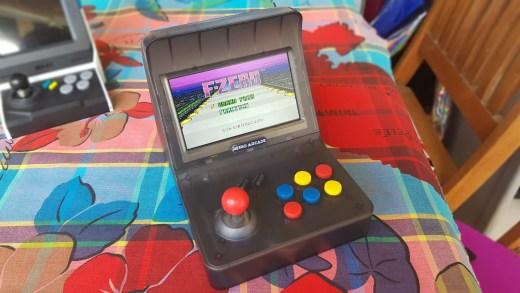 La Retro Arcade RS-07 avec le jeu F-Zero de la SNES ^^ !