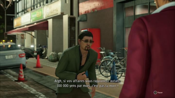Oui, tous les dialogues sont sous-titrés en français !