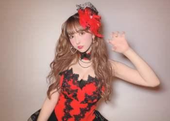 """Yua Mikami ra vlog mới, khoe bộ sưu tập son """"siêu to khổng lồ"""" với fan hâm mộ"""