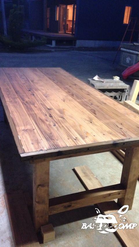 ハンチョウの作ったダイニングテーブル