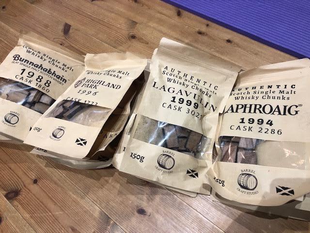 【個人輸入】イギリスからウイスキー樽のチップが届く。