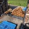 【薪の移動】梅雨入りする前に、薪の移動をしないといけない