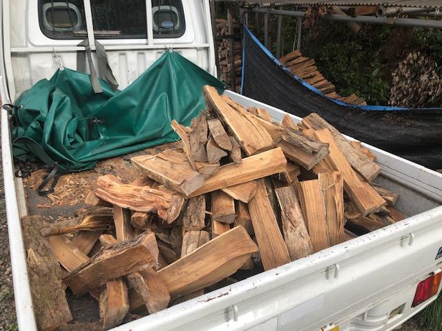 【薪ストーブ】自宅用の薪を積んで移動