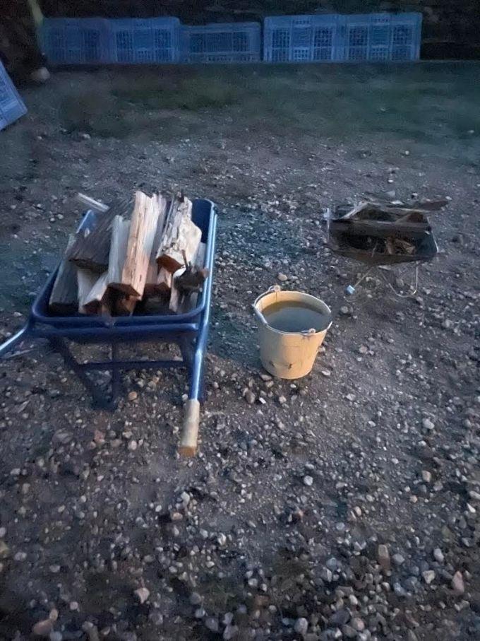 【焚き火】焚き火をするときは燃料の薪は多めに