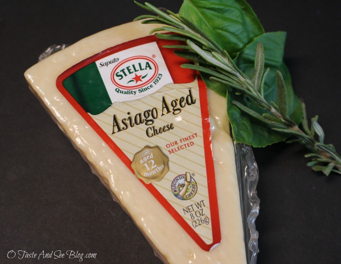 Asiago Herb Cheese Crisps #ad #StellaCheeses #QualitySince1923